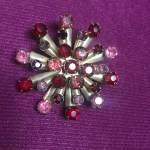 Jewelry - Vintage pink and red rhinestones brooch/pin